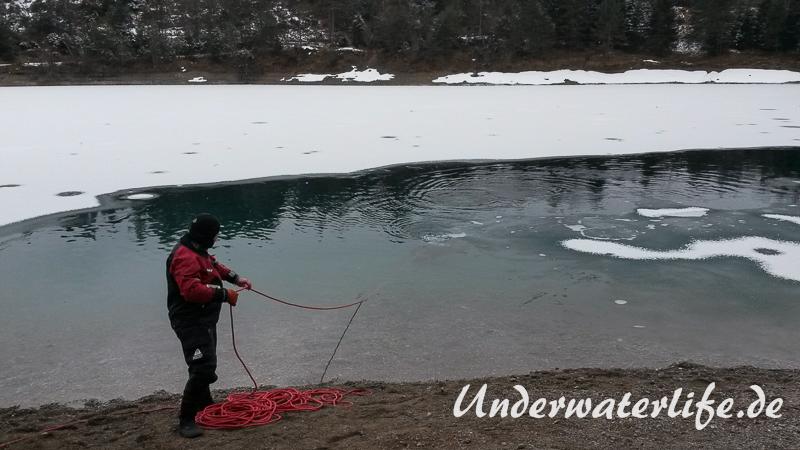2016-02-Urisee-Eistauchen-017